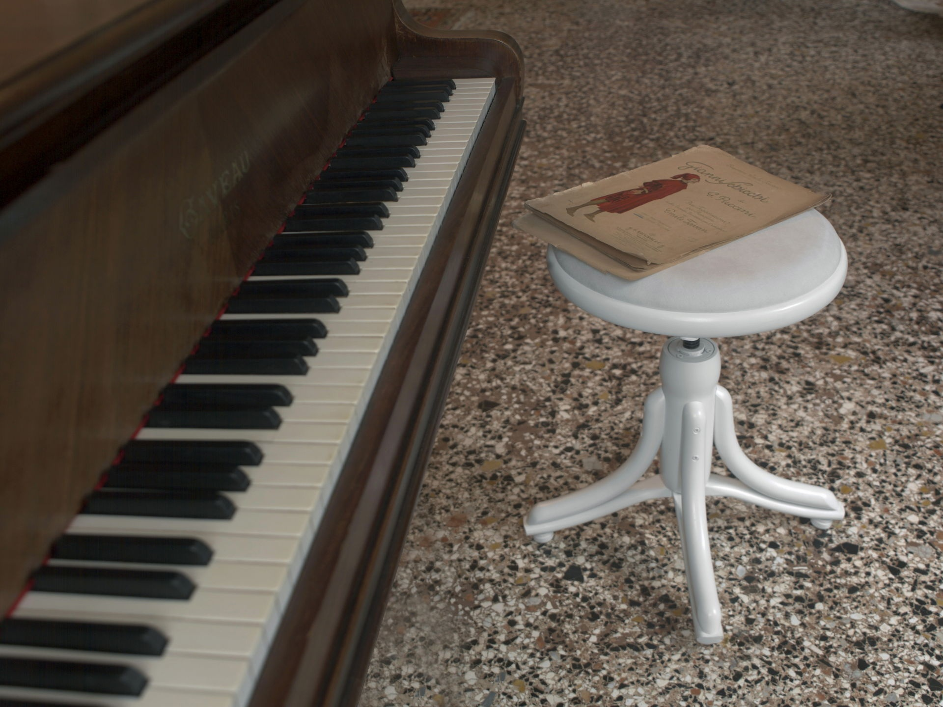 Hocker Piano
